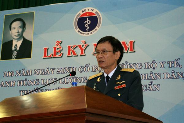 Ông Vũ Chính Nghị - con trai lớn của cố Bộ trưởng Vũ Văn Cẩn bày tỏ sự xúc động, cảm ơn chân thành khi Bộ Y tế đã trang trọng tổ chức chuỗi các hoạt động kỷ niệm 100 ngày sinh của cha ông