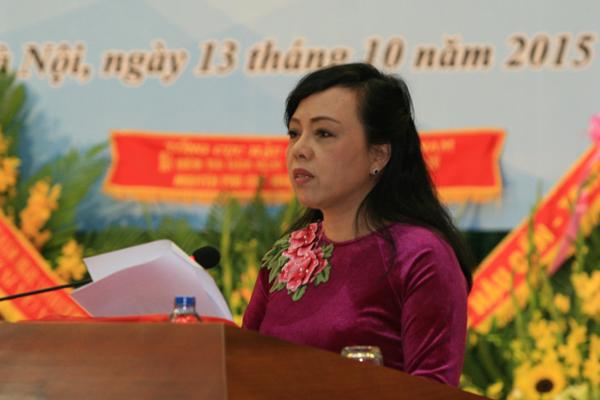Bộ trưởng Bộ Y tế Nguyễn Thị Kim Tiến phát biểu tại Lễ kỷ niệm 100 năm ngày sinh cố Bộ trưởng Vũ Văn Cẩn