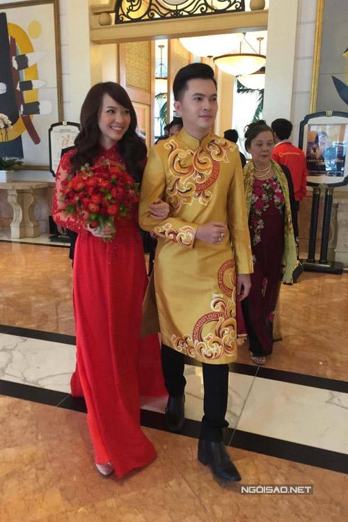 Sau tiệc cưới ở TP HCM hôm 14/3, sáng 18/3, Nam Cường làm lễ rước dâu ở Hà Nội - nơi gia đình anh đang sống.