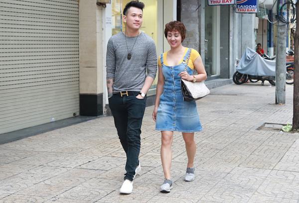 Cách đây gần một tháng, Hoa khôi Wushu một thời Thúy Hiền gây chú ý khi xuất hiện cùng ca sĩ Ngọc Khanh tại một khách sạn ở trung tâm Sài Gòn. Cả hai bị đồn đang bí mật hẹn hò dù cựu vận động viên hơn chàng ca sĩ tới 10 tuổi. Thúy Hiền chia sẻ, gia đình, bạn bè và khán giả hỏi han nhiều về mối quan hệ của cô và Ngọc Khanh. Hầu hết mọi người đều chúc phúc, mong cô hạnh phúc bên phi công trẻ chứ không chê bai, chỉ trích gì cả.