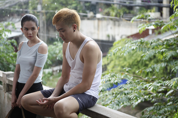 Phim Vòng eo 56 nói về cuộc đời Ngọc Trinh, có nhắc đến vai trò của ông bầu Vũ Khắc Tiệp - người có ảnh hưởng lớn đến cô. Diễn viên Lương Mạnh Hải đảm nhiệm nhân vật ông trùm chân dài.
