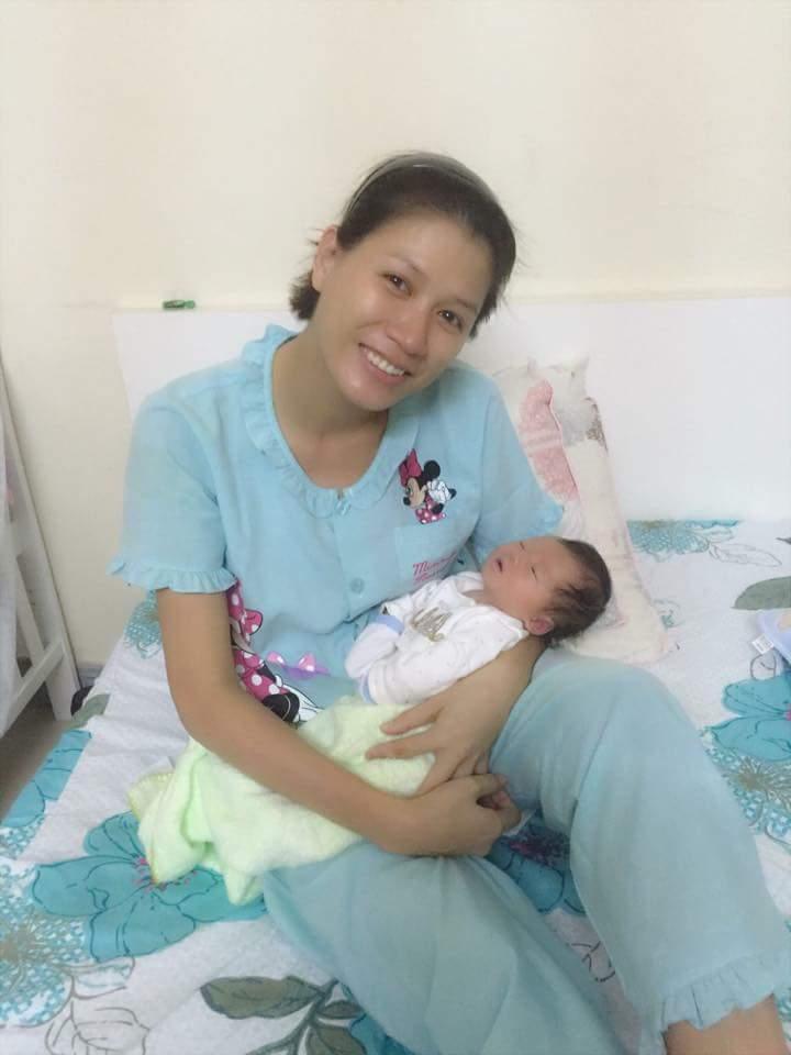 Trải qua biến cố, Trang Trần giờ đã là mẹ của một cô công chúa nhỏ