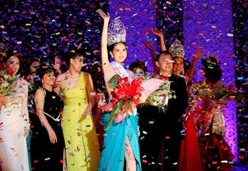 Ngọc Trinh từng gây bão dư luận khi đăng quang Hoa hậu Việt Nam Quốc tế 2011.