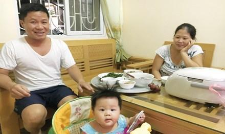 Lương thấp nên chị Thúy Hà quyết định nghỉ việc ở nhà trông con để tiết kiệm tiền thuê người giúp việc.