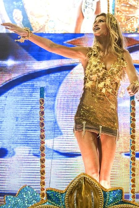 Gisele Bundchen lộng lẫy trong những buổi tập duyệt cho lễ khai mạc Olympic.