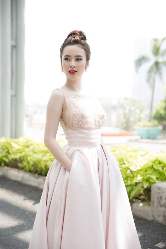 Diễn viên Angela Phương Trinh