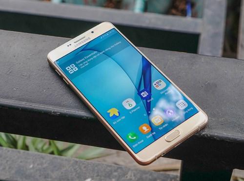 Galaxy A9 Pro sở hữu thiết kế kim loại kết hợp kính trông khá sang trọng Ảnh: Samsung