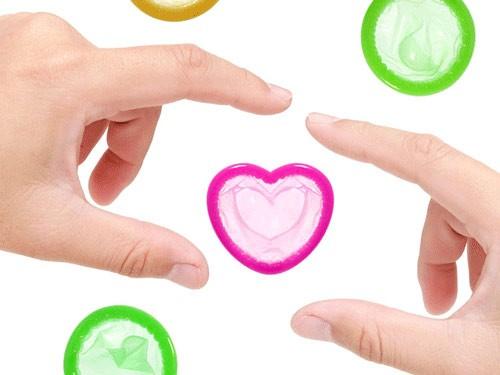 Việc sử dụng bao cao su sẽ giúp bạn tránh xa bệnh tật.
