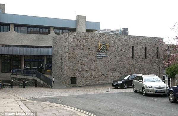 Tòa án, nơi xét xử vụ án cậu bé 11 tuổi cưỡng bức em gái.