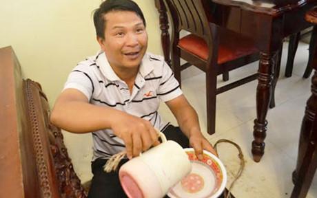 Giếng nước của gia đình ông Nguyễn Văn Hoa nóng lên bất thường. Đây là trường hợp nước giếng nóng bất thường được ghi nhận đầu tiên tại Đà Lạt.