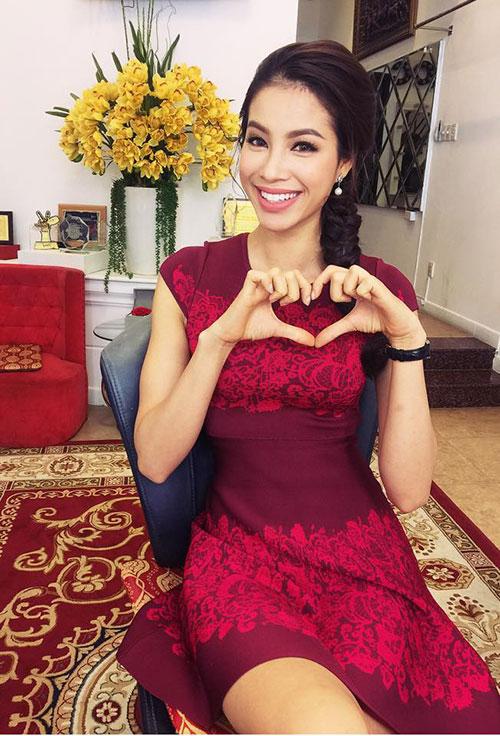 Hình ảnh mới nhất của hoa hậu Phạm Hương ở Việt Nam