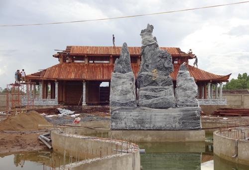 Công trình đền thờ tổ do Hoài Linh bỏ tiền túi xây dựng và đưa ra ý tưởng thiết kế. Ảnh:D.C.