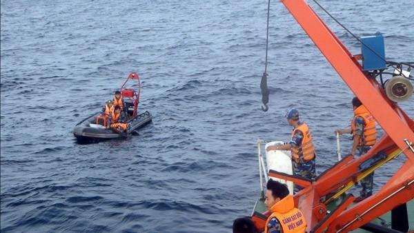Lực lượng cảnh sát biển tham gia tìm kiếm CASA-212. Ảnh: CSB Việt Nam.