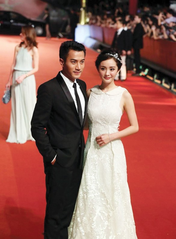 Khá lâu cặp vợ chồng nổi tiếng không xuất hiện chung trong các sự kiện. Nguồn tin từ giới tài chính cho biết, hồ sơ Dương Mịch ghi đã ly hôn. Ảnh: Sina.