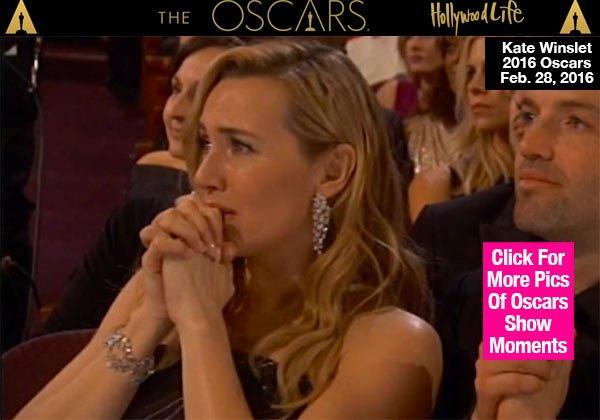Kate Winslet chắp tay cầu nguyện và nước mắt rơi lã chã khi nhìn thấy Leo lên nhận giải Oscar đầu tiên trong đời.