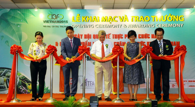 Lễ cắt băng khai mạc Ngày hội Quốc tế Thực phẩm Chức năng & Các sản phẩm làm đẹp, Chăm sóc sức khỏe Việt Nam - I3F Vietnam 2015