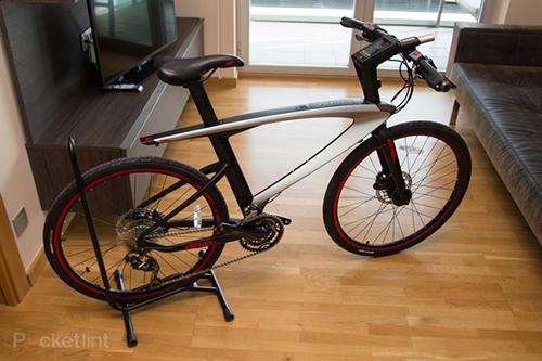 Xe đạp thông minh Le Syvrac được tích hợp nhiều cảm biến và bộ não như một chiếc smartphone.