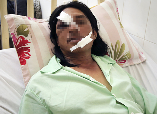 Ông Lâm đang điều trị tại bệnh viện. Ảnh: Quốc Dũng