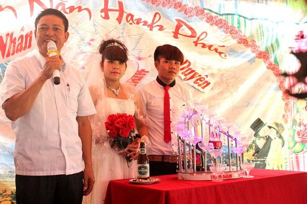 """Trung tá Dương Thanh Tịnh căn dặn """"các con"""" trong đám cưới của Nhân – Duyên."""