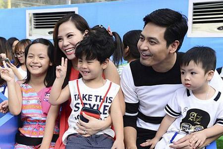 Gia đình hạnh phúc của Phan Anh