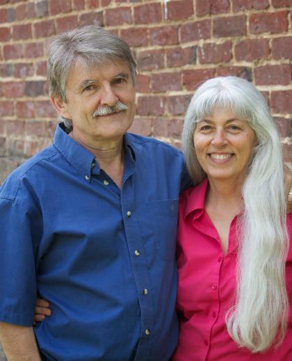 Bà Lise Stoessel và chồng đã kết hôn được 31 năm và bà cho biết, việc sống riêng 8 năm nay giúp hai người gắn bó hơn cả trước đây. Ảnh:Facebook.