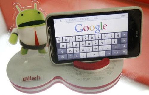 Cài quá nhiều ứng dụng khiến smartphone Android ngày càng chậm - Ảnh: Reuters