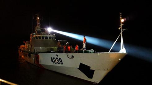 Công tác tìm kiếm máy bay CASA-212 cùng 9 quân nhân nhận được sự động viên, hỗ trợ của nhiều bạn bè quốc tế.