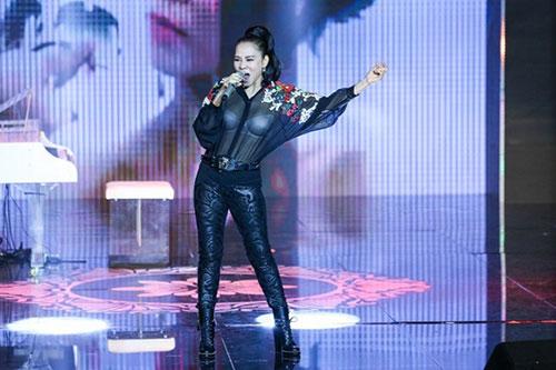 Thu Minh đã có màn trình diễn vô cùng ấn tượng khi xuất hiện