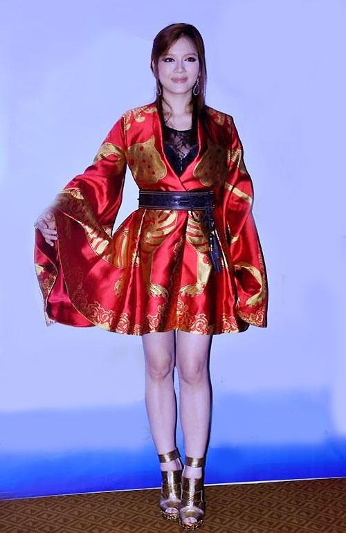Bộ váy 700 triệu từng gây đình đám một thời của Lý Nhã Kỳ