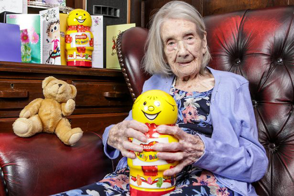 Cụ Nellie vừa đón sinh nhật tuổi 109 hôm 17/4. Ảnh: SWNS