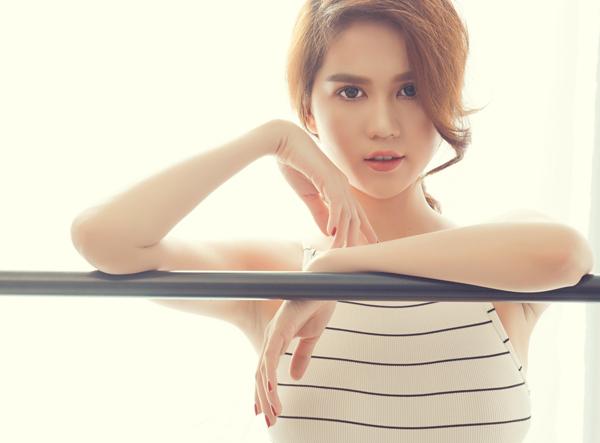 Bộ ảnh do stylist Đỗ Long và chuyên gia trang điểm Bảo Bảo hỗ trợ thực hiện.