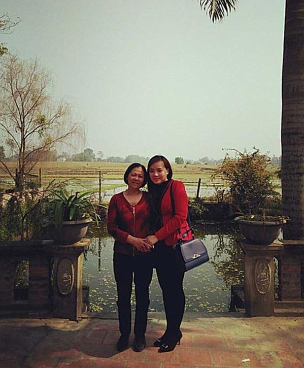 Chị Lê Thanh Hiền và người mẹ Phan Thị Tuyết Hoa. Ảnh nhân vật cung cấp