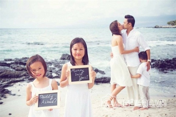 Hình ảnh hạnh phúc của gia đình nhỏ siêu mẫu Ngọc Thúy.
