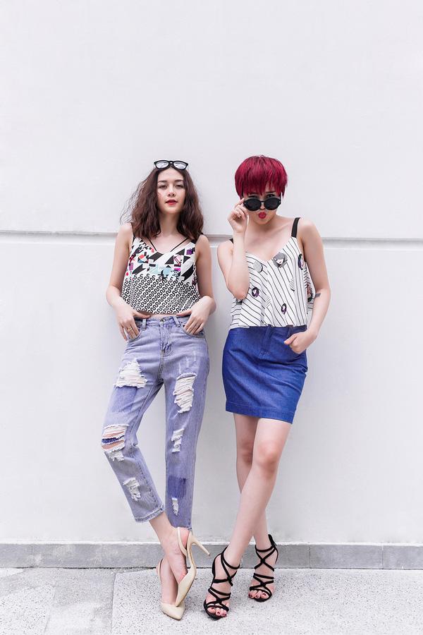 Sự cá tính và độc đáo trong phong cách của hai chị em thể hiện qua phong cách street style với những cách kết hợp khá biệt.