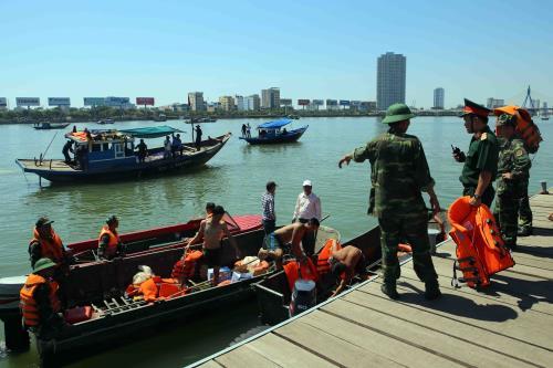 Vụ chìm tàu trên sông Hàn (Đà Nẵng) là một trong những vụ tai nạn giao thông đường thủy nghiêm trọng thời gian gần đây.