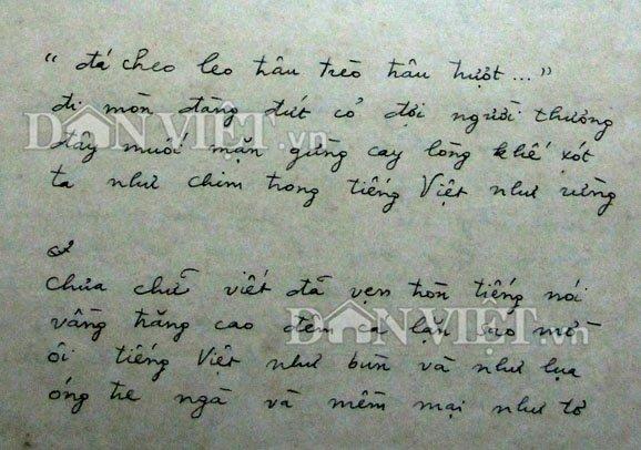 Đoạn thơ từ bản thảo được cho là nguyên gốc của nhà thơ Lưu Quang vũ. Ảnh: Dân Việt