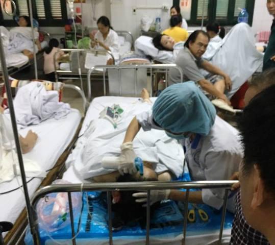 Chị Thiết đang được điều trị tích cực tại Bệnh viện Việt Đức. Ảnh: N.T