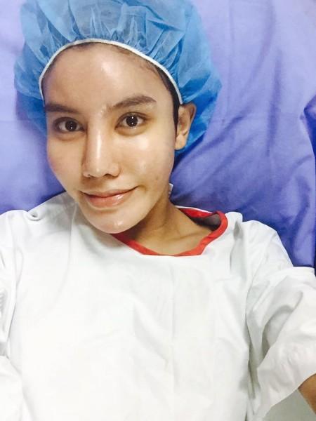 Sau khi trải qua nhiều biến cố, cô đã quyết định phẫu thuật để quay lại làm đàn ông.
