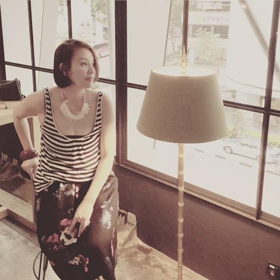 Sau khi giải nghệ, chị rời Việt Nam sang Singapore theo học ngành thời trang tại trường Nanyang.