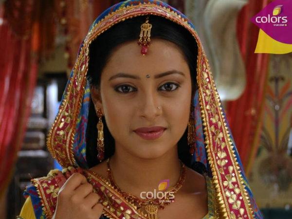 Một Anandi xinh đẹp tựa nữ thần với đôi mắt buồn đã chiếm trọn trái tim khán giả Ấn Độ.