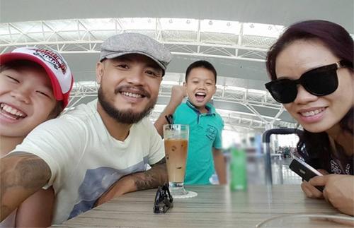 Khoảnh khắc hạnh phúc của gia đình nhạc sĩ Trần Lập khi anh còn sống.