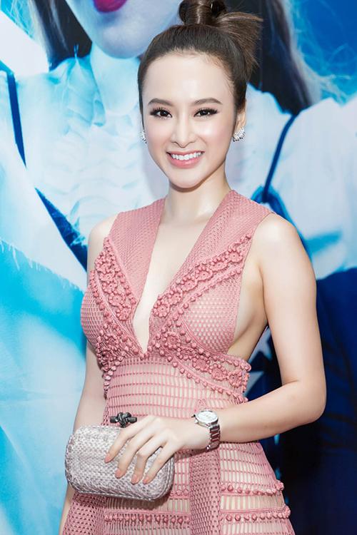 Angela Phương Trinh tại show diễn của nhà thiết kế Adrian Anh Tuấn.