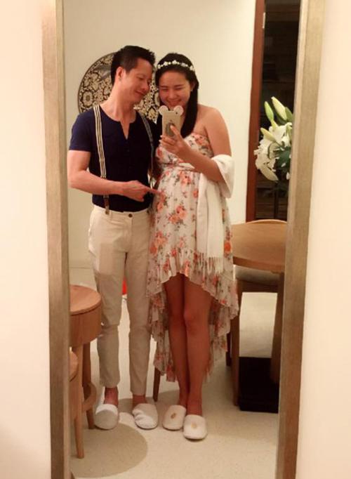 Phan Như Thảo và chồng thường xuyên chia sẻ ảnh tình cảm trên trang cá nhân.