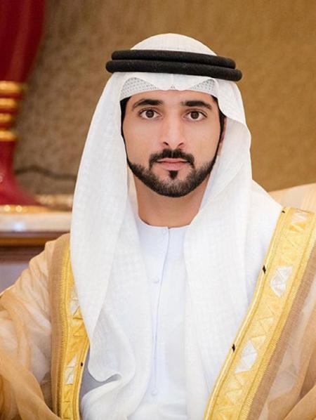 Hoàng tử Hamdan với vẻ đẹp trai khiến chị em mê mẩn. Ảnh:afangirlsguidetofazza