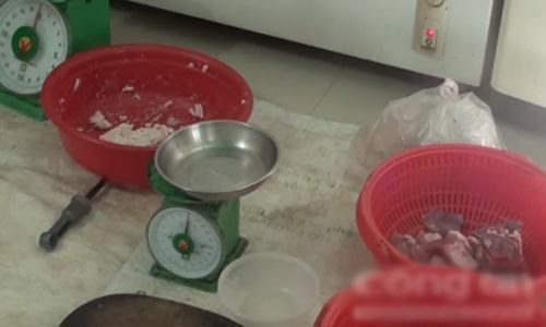 Một số nguyên liệu dùng để chế biến giò chả.