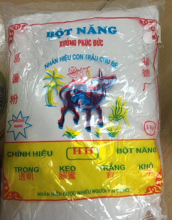 Trong số hàng hóa bị bắt giữ, bột năng thường được chế biến làm trà sữa cũng bị thu giữ.