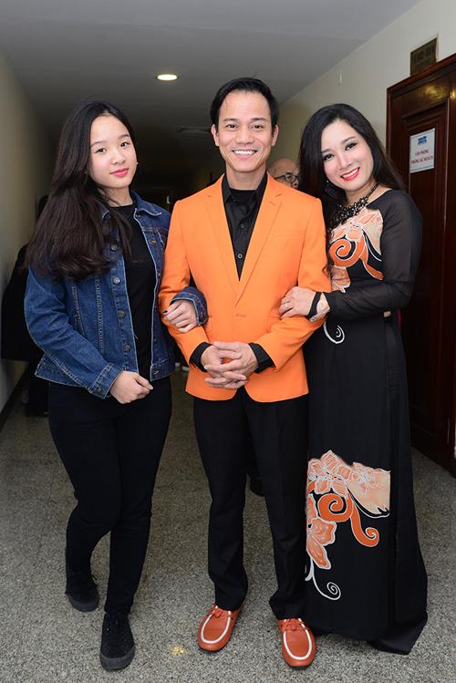 Vợ chồng Thanh Thanh Hiền với con gái Thái Phương (con gái riêng của Thanh Thanh Hiền). Ảnh: TTH.