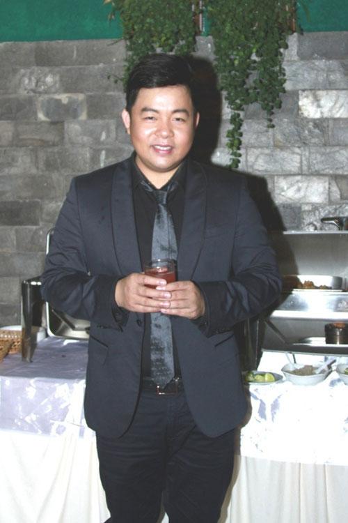 Quang Lê trong tiệc sinh nhật của mình ngày 25/1. Ảnh: NVCC