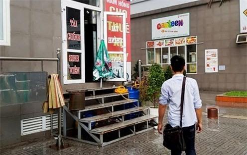 Nhiều quán cầm đồ, cho vay nặng lãi mở trá hình dưới dạng quán cà phê trong KTX Mỹ Đình. Ảnh: Tiền Phong.