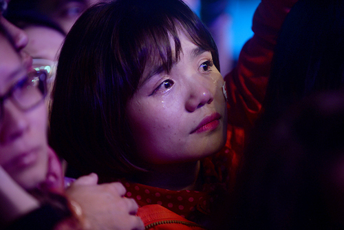 Nhiều khán giả Việt khóctrước những chia sẻ chân thành của Trần Lập về căn bệnh ung thư anh đang mắc phải. Ảnh: Giang Huy.